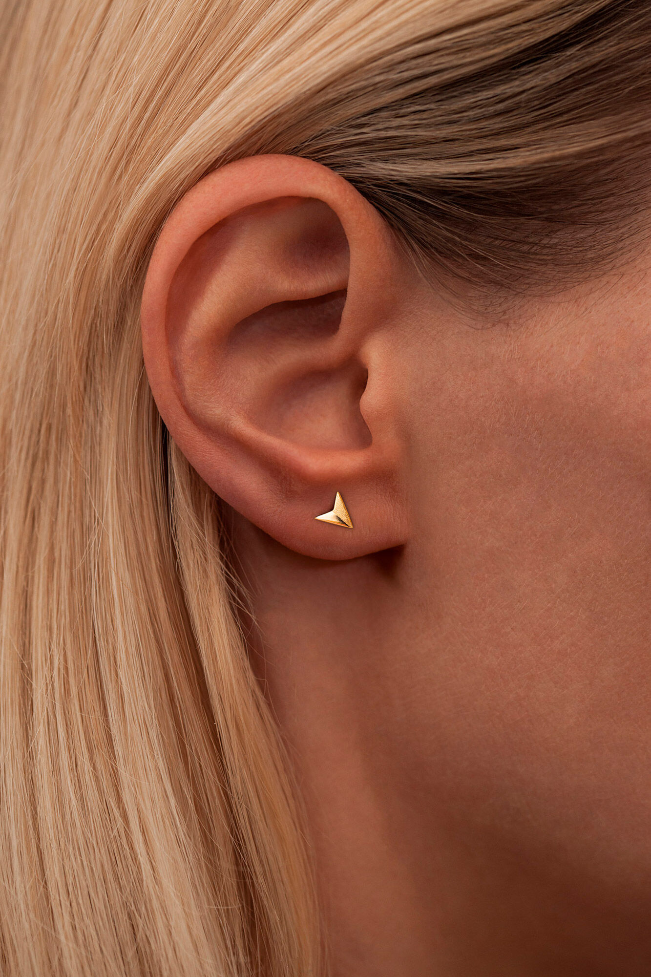 Paperplane Ear Stud LULUE197, GOLD PLATED