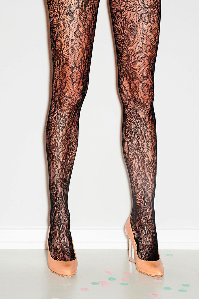 Christina Lace, BLACK